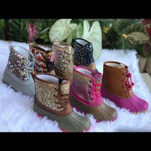 SHOEROOM21 BOUTIQUE Shoes - 🎉HOST PICK🎉Girls sequin Duck Boots. Grey